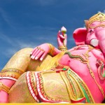 Pink ganecha statue wat Samarn, Chachoengsao, Thailand